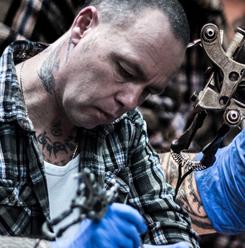 Tattoo artiest Frank