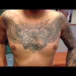 Tattoo borst hart